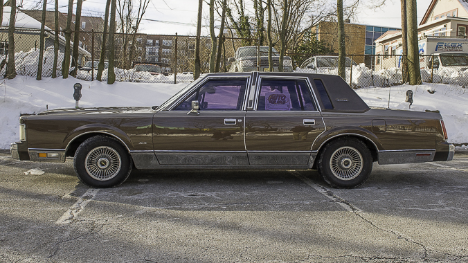 1985 lincoln town car for sale  Barn Find; 1985 Lincoln Town Car, Signature Series, All original in ...