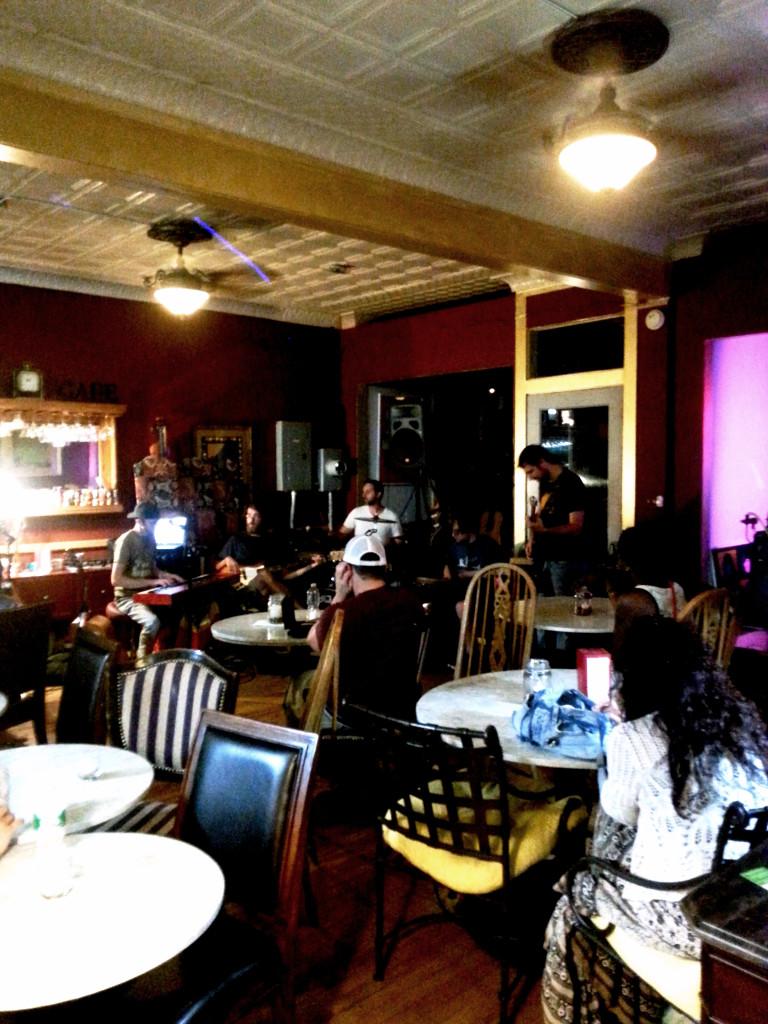 groov cafe