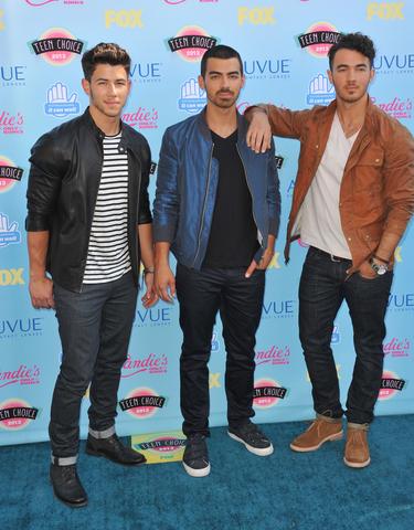 Jonas Brothers,Joe Jonas