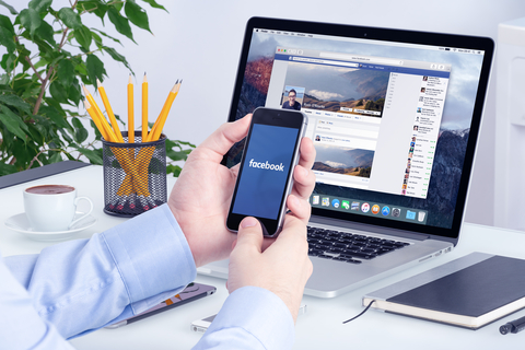 Facebook app on the Apple iPhone and Apple Macbook Pro Retina displays