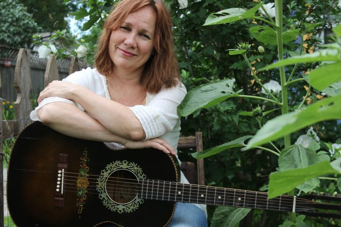 Iris DeMent: Third Time's the Charm