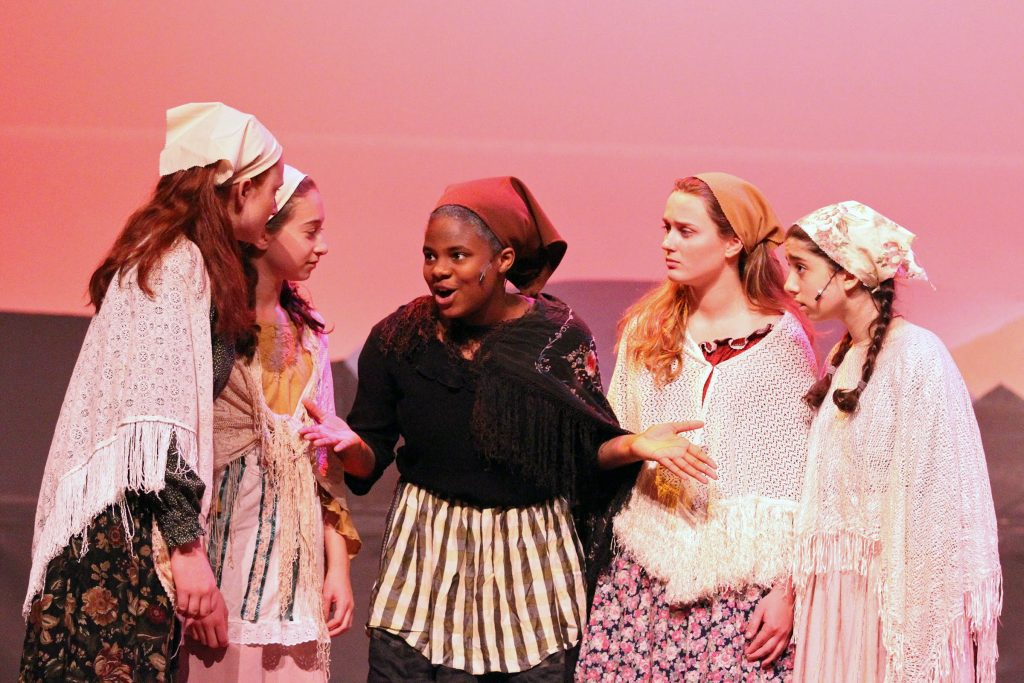 Glenfield Middle School Fiddler on the Roof Cast, image courtesy of / Chanda Hall